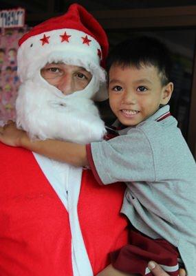 Santa has a new friend.