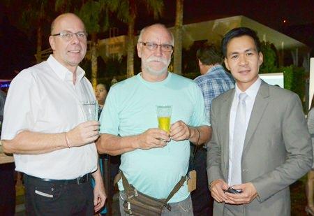 Volker Grosse from Germany, Hotte Flink from Pattaya Blatt and Thanawat Julasuk, Director of Sales and Marketing from Cape Dara Resort Pattaya.