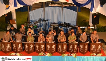 Guests were serenaded by the Angalung Orchestra from the Banglamung Home for Boys.