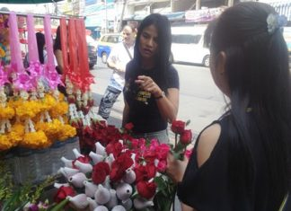 Flower vendors at South Pattaya's Chaimongkol Market speculated their slower sales were due to a sluggish economy.