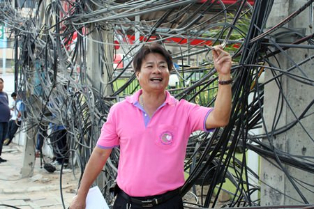 PEA technical officer Panya Boonsamer says that shoddy work by technicians from cable-television and Internet suppliers is to blame for the tangled mess of wires seen around town.