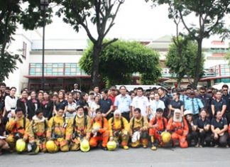 Local firefighters briefed Central Center Pattaya employees on emergency-safety skills at the mall's annual fire drill.