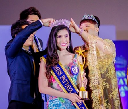 Napatnan Wanduek from Baan Sukawadee is crowned Miss Pattaya 2015.