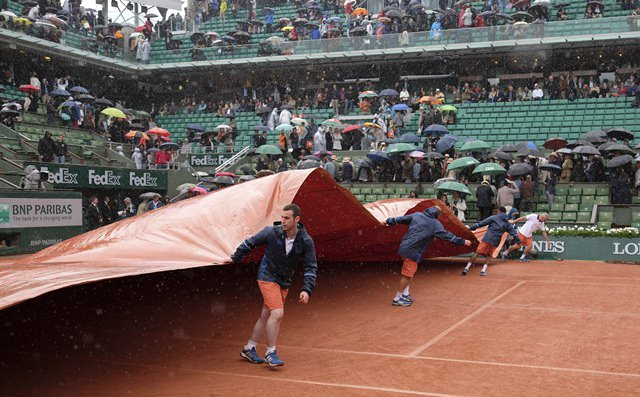 Play suspended again at French Open