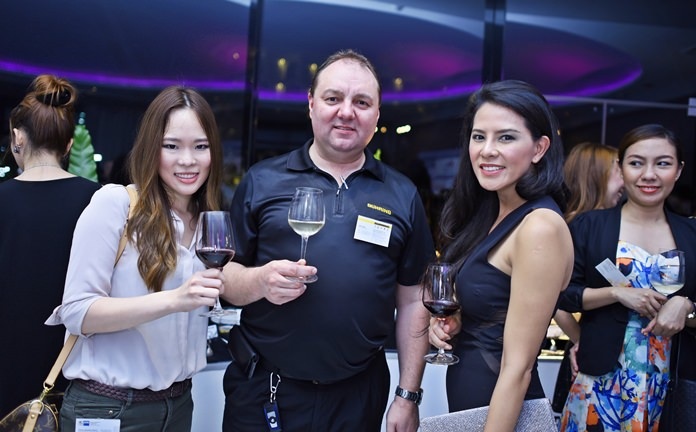 (L to R) Ganya Aparaks, membership, event and key account manager at GTCC, Ralf Alber, managing director of Guehring (Thailand) Co., Ltd., and Shanya Termsinwanich, sales manager at Grand President by Kingston Hotels Group.