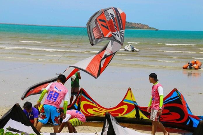 Race preparations get underway on Dongtan Beach in Sattahip.