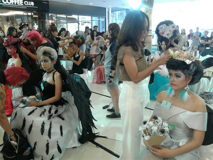Hairstylists from all around Thailand show off their talent in the Professional Fancy Model Hair competition.