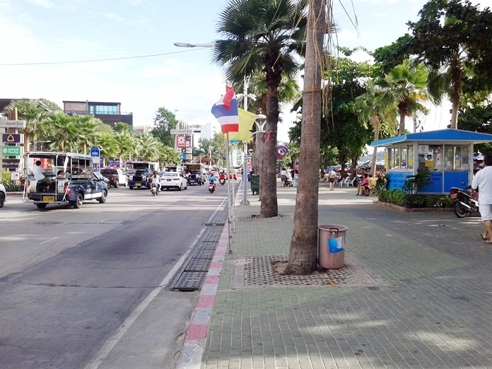 Along Beach Road, from Soi 2 to Soi 4, not a single sidecar or pushcart vendor was seen.