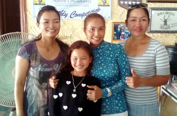 Pin, Yen and Som with Yen's daughter.