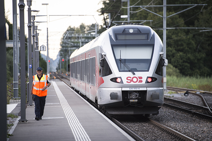 Suspect and victim die after knife attack on Swiss train