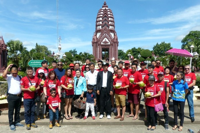 The drivers received a warm welcome from Posit Kruawan (center), the president of the provincial tourism association at San Lak Meaung, Prachuap Khiri Khan.