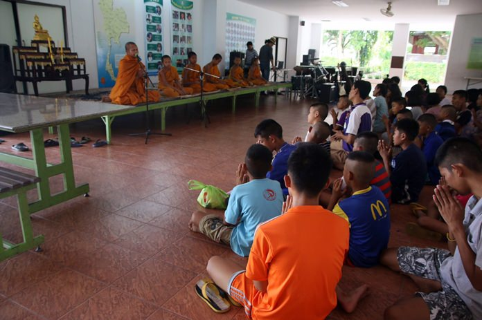 "The Father Ray Foundation gave Buddhist novices an opportunity to teach dharma to disadvantaged children at its ""Dharma Is Not Orphaned"" workshop in Pattaya."