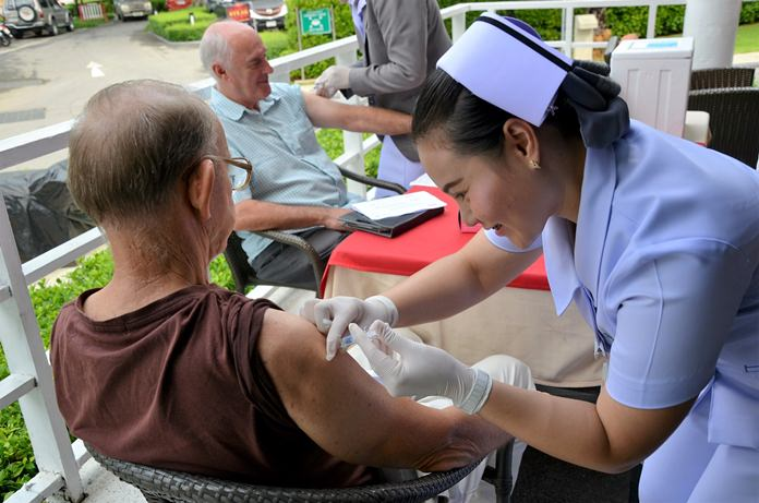 Over 60 members and guests took advantage at the 16 October PCEC meeting to receive this year's flu vaccination at a discounted price. Some very nice nurses from Phyathai Hospital Sriracha were available to administer the flu shots.