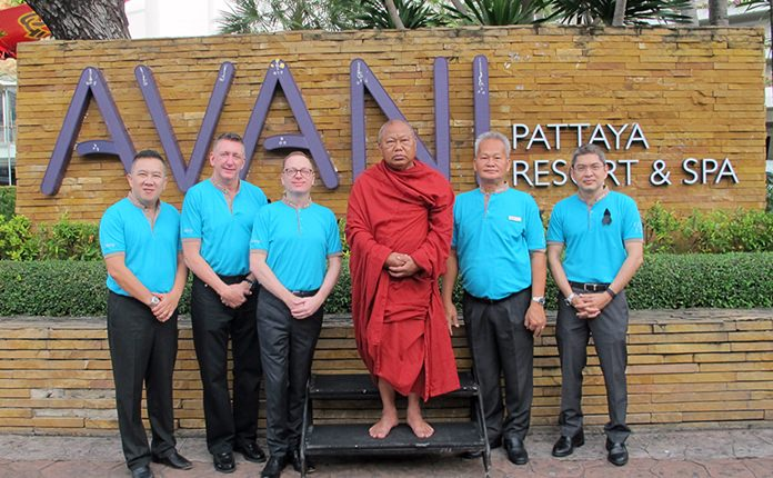 (L to R) Yossakit Toemlap, Group Director of Training, Minor Hotels, Boyd Barker, General Manager, Operational Excellence, Minor Hotels, John Jennings, Group Director of Finance, Minor Hotels, Phrakru Vinaithorn Thanakorn Phumphoon, the Abbot of Djittabhawan Temple, Somsak Tanruengsri, General Manager of AVANI Pattaya Resort & Spa, and Charles Clinton, Group director of HR, Minor Hotels.