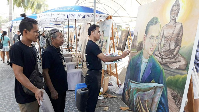 Local and national artists create paintings and drawings of His Majesty the King which were displayed along Beach Road.