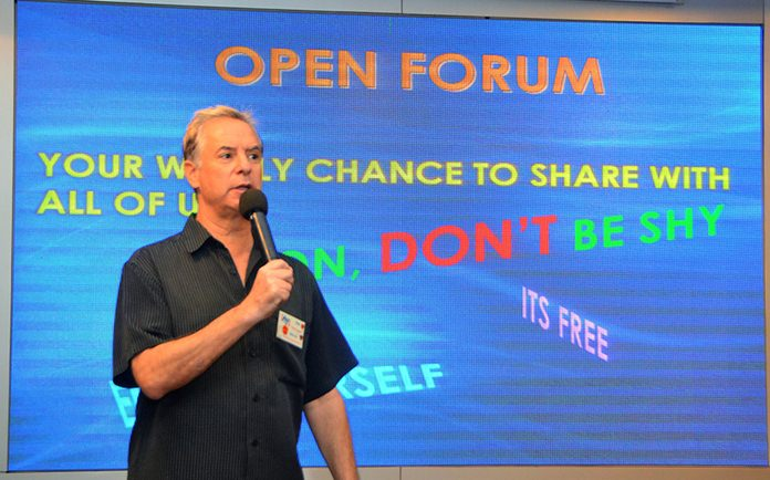 Member Ira Wettenstein conducts the PCEC's Open Forum which follows the speaker's presentation; a time where members of the audience can ask questions or provide comments about expat living in Pattaya.