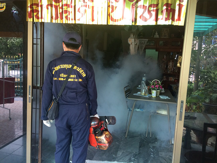 The Pattaya Health Department sprayed pesticide and distributed abate in three neighborhoods at high risk of dengue fever transmitted by mosquitoes.