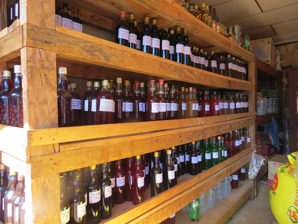 Loi Mwe is home to the colonial hill station but is more well known among the locals for its fruit, vegetables and fruit wines.