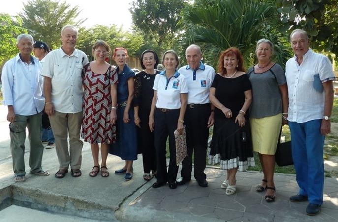 (From left) K. Chomjinda, the pastor-couple Mr. and Mrs. Liebe, Doris Berger-Peters, Radchada Chomjinda, Margret and Otmar Deter, Elfi Seitz, and Eva and Heinrich Schmidinger.