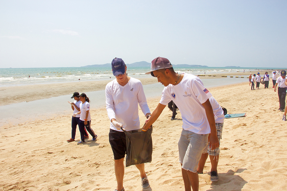 The Ambassador took part in the beach cleanup with the kids.