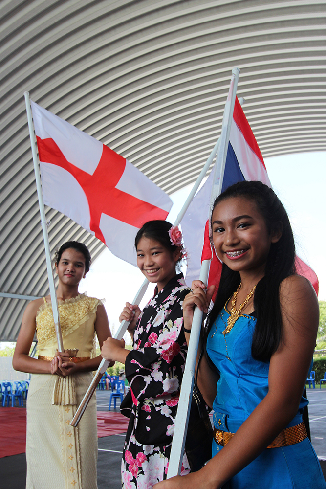 Thai, Japanese and English students celebrate their nationalities at GIS.