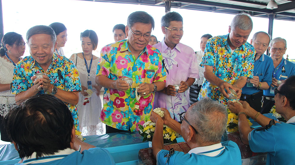 Deputy mayors Bandit Khunajak, Vichien Pongpanit, Sukwat Suksawat and Apichart Virapal hosted the Pattaya Elderly Club at city hall April 7.