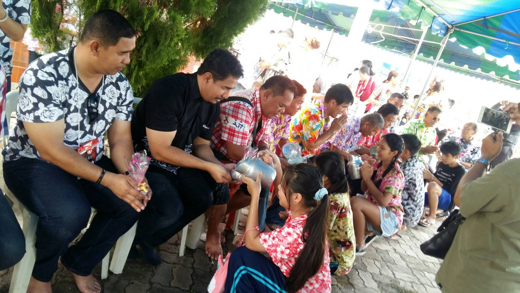 The Kophai and Chumsai communities also marked the Thai New Year later than the rest of the kingdom, with a traditional Rod Nam Dam Hua ceremony.
