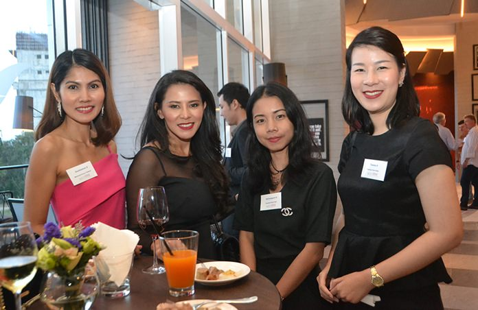Many beautiful female professionals also attended the event.