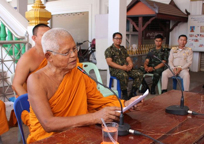 Phra Wisutthajan, abbot of Wat Prachum Kongka, explains the temple's bookkeeping and invites people to check for themselves if they think anything is amiss.