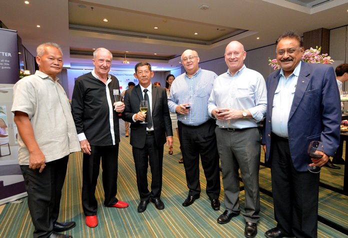 (L to R) Somsak Tanruengsri, GM of Avani Hotel, Dr. Iain Corness, Mayor Anan Charoenchasri, Warren Boyes, President of the New Zealand-Thai Chamber of Commerce, Graham Macdonald, former chairman of the BCCT and SATCC, and Peter Malhotra, Managing Director or Pattaya Mail.