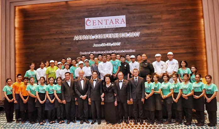 The Centara Executives join the Centra Maris team for a group photo.