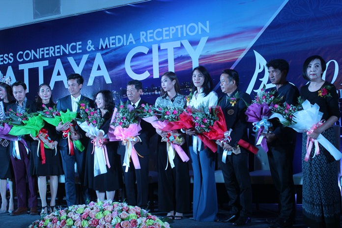 Winners gather on stage as Pattaya again was chosen the leading Thailand destination for Chinese tourists and seven Chonburi attractions were picked favorites in online survey by a large Chinese website.