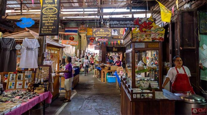 Ban Mai Old Market, Chachoengsao.