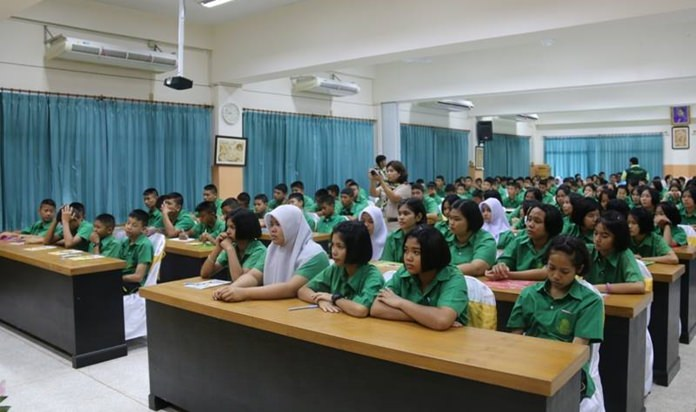 Pattaya-area youths were given a lesson in morality and ethics in an effort to keep them away from drugs.