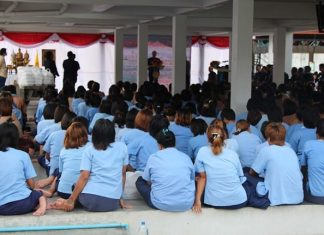 Women doing time at the Pattaya Remand Prison were treated to a solid meal thanks to Banglamung district officials.