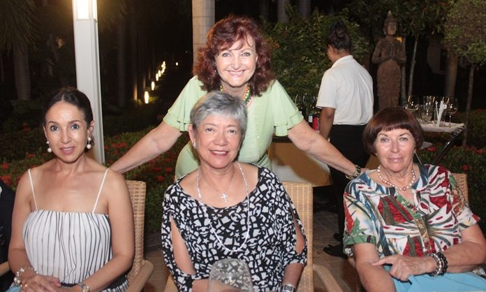 Elfi with dear friends (l-r) Anselma Niehaus, Ivy Schlageter and Margrit Hoffmann.