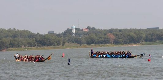 Nongprue's mayor has vowed to continue the sub-district's popular longboat races even if Pattaya drops funding, albeit it on a smaller scale.