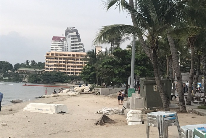 The smoking ban on Pattaya's beautiful beaches will take affect from November 1 onward.