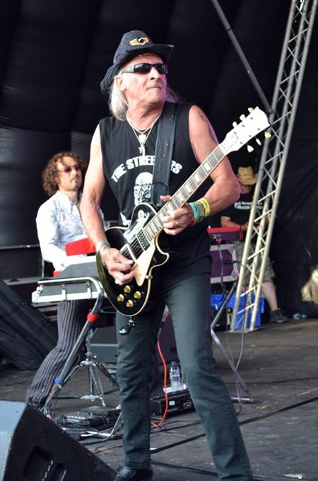 Del Bromham struts his stuff at the New Day Festival. (Photo/Strang The Steward)