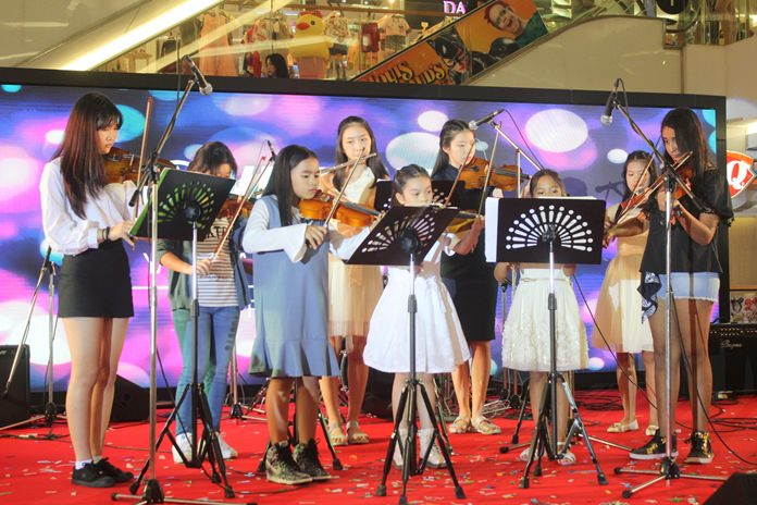 The well-trained young chamber music group played well-known classical pieces.