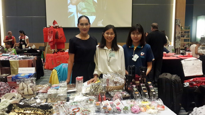 Ornpreeya Suwannasri with Paweesuda and Wichittra at their Rotary Club of Jomtien Pattaya stall.