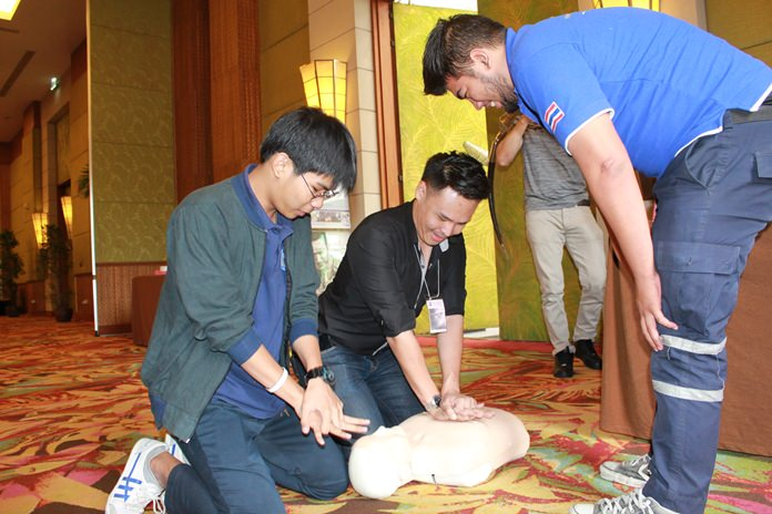 "First responders learn lessons in dealing with fractured limbs, CPR and general life support following road accidents at Bangkok Hospital Pattaya's ""Golden Hours of Trauma Care"" seminar."