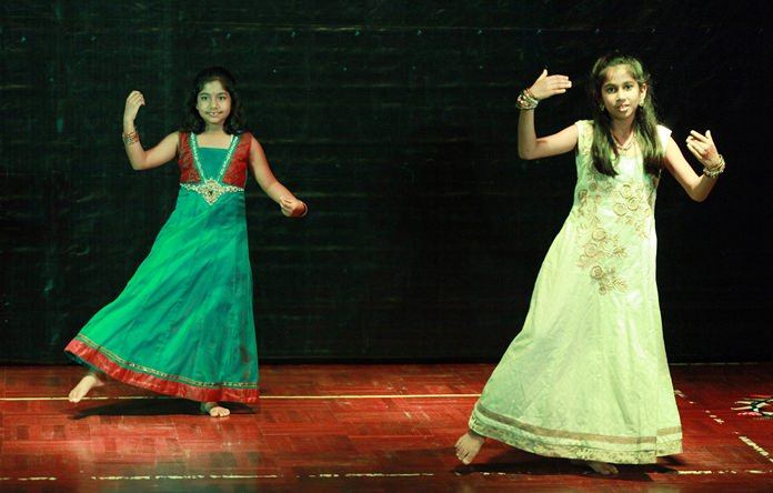 A pair of GIS students perform at Diwali.
