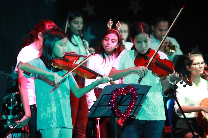 The GIS Christmas Concert featured talented musicians and singers.