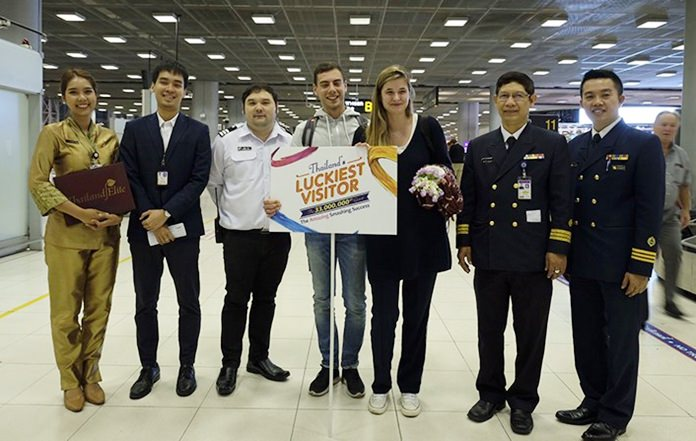 Ceyssens and her boyfriend were welcomed by officials from Suvarnabhumi Airport Immigration Checkpoint, Immigration Division 2, led by Pol. Lt. Col. Panjawan Rimpadee.