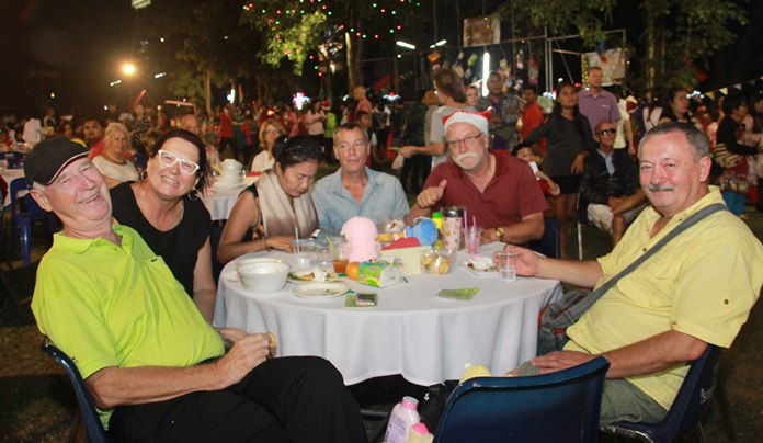Hundreds people attend the Pattaya Orphanage Christmas celebration.