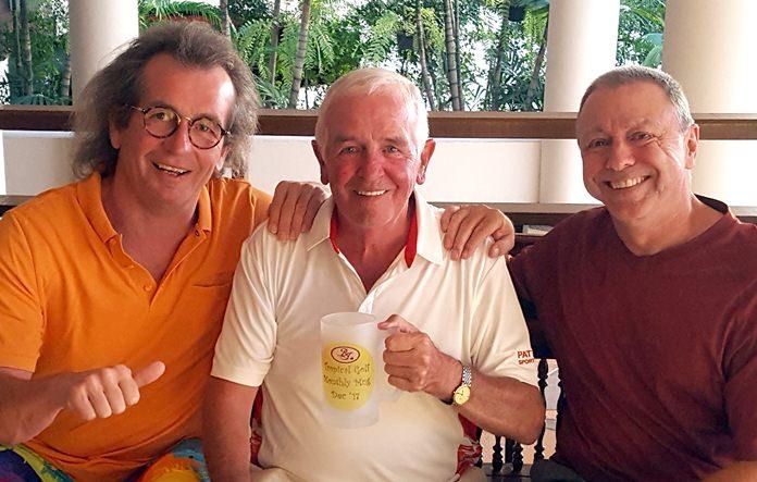 Dave Cooper (center) with Torsten Bishoff (left) and Tom Herrington.
