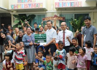The Rabbit Resort donated 85,000 baht raised at its photography auction to the Baan Jing Jai orphanage.