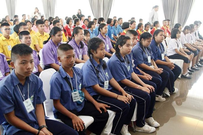 112 students also attend the seminar.