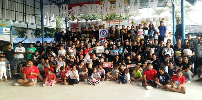 Motorcycle enthusiasts donated cash and necessities to get Plutaluang's Ban Khru Boonchu House off to a good start for 2018.